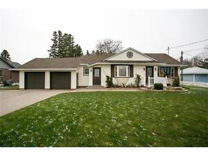 FABULOUS ST. JACOBS BUNGALOW LOCATED ON A 100'x490' LOT!!!