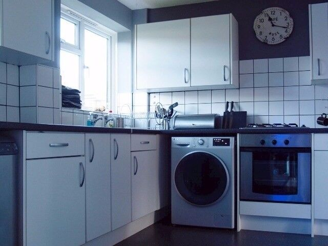 Lovely and modern 3 bed Crawley looking for 3 bed Hampshire