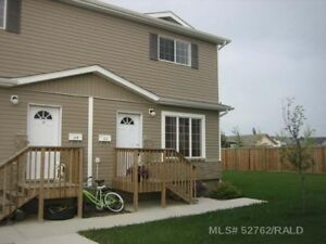 SK Townhouse - 3 Bedrooms, Available Oct 1!