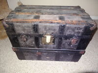 Vintage Steamer Trunk (has not been refinished)