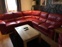 RED LEATHER CORNER SUITE WITH SINGLE RECLINER
