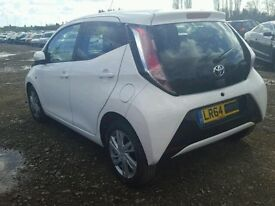 Toyota aygo new shape breaking parts spares repair salvage damaged airbag kit door 2015 2016 2014