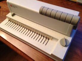 Spine binding machine
