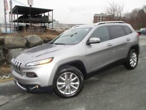 2015 Jeep Cherokee Limited 4X4 V6 (CLEAN CARFAX, PANO ROOF, HEAT