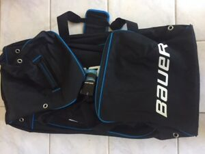 BAUER Large wheelie Hockey Bag