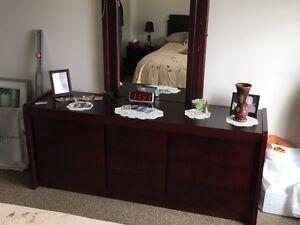 Sofa, meubles de chambre et armoire West Island Greater Montréal image 4