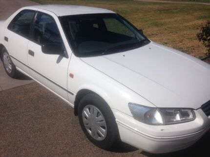TOYOTA CAMRY CHEAP, REGO TO APRIL 2018, MANUAL, AIR STEER, 184 KM