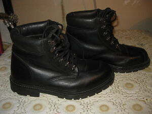 Mens' RoadKrome motorcycle ankle boots in superb cond'n, sz 9