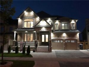 Stately 4+4 Bdrm W/ A View Of Both Ravine & The Community
