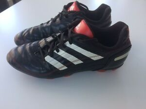 Souliers de Soccer Shoes ADIDAS PREDATOR Gr / Size 6.5