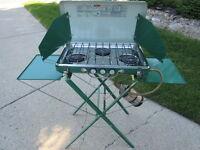 Propane 3 burner camp stove & stand
