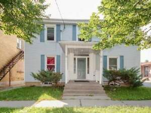 15-17 Lloyd St For Sale!!