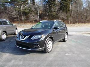 2015 NISSAN ROGUE AWD...LOADED!!! BLUETOOTH & REAR VIEW CAMERA!