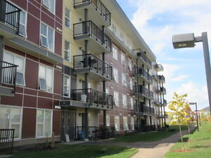 Brand New Hudson Condo 2 Bdrm 2 Bath Udground Pkg 1 YR FREE SHAW