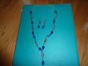GLASS BEAD EARRINGS AND NECKLACE, - FROM ONE OF A KIND Craft sho