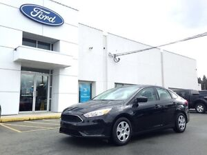 2015 Ford Focus S with SYNC/Bluetooth