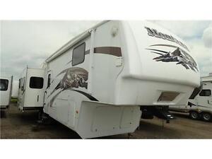 2009 Montana 366RE 5th wheel RV