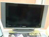 """samsung 32"""" lcd with remote"""