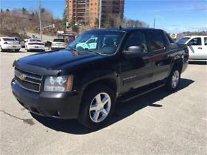 2011 Chevrolet Avalanche LT 4x4 w/Sunroof & Backup Camera