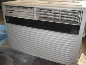 Air Conditioner - Kenmore 115Volts 60Hz