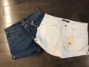 Womens Levi's Shorts - Size 6