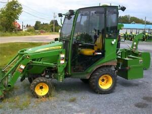 2015 JOHN DEERE 1025R TRACTOR WITH LOADER AND CAB