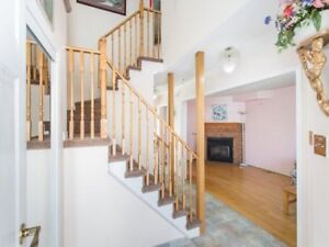 FABULOUS 3+1Bedroom Detached House @BRAMPTON $599,000 ONLY