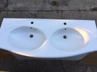 Double porcelain sink. Brand new, perfect condition and never been used.