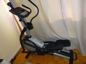 NORDICTRACK E7 FRONT DRIVE ELLIPTICAL TRAINER - BARELY USED   P