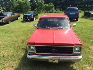 1979 Chev C 10 parts truck , small block 350 , great frame