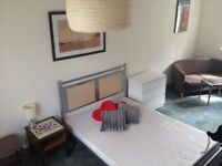 Triple size fully furnished room in 4 bed house in Cheadle, South Manchester