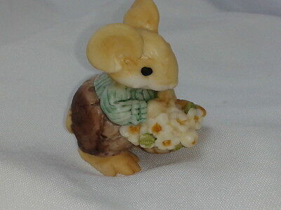 Little Cheesers with Flower and Bread Basket Item # 05109
