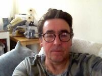 Mature easy going man looking for a flat share or room to rent