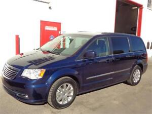 2014 Chrysler Town & Country ~ 112,000kms ~ Backup cam ~$15,999