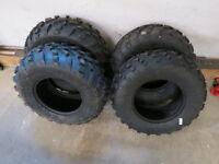 4 pneus VTT neufs à vendre