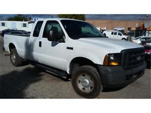 2006 Ford F250 XL 4x4, 4 Doors, 8 Foot Long Box, Tow package! AC