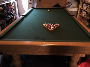 "9 X 5 -1 1/2"" Slate Pool Table with rack, cues, balls and light Peterborough Peterborough Area image 6"