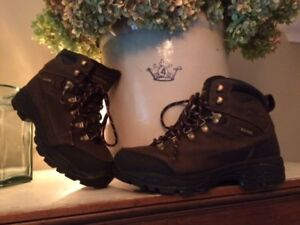 Wind River, Quality Brand, Near-New Winter Boots - just $45!