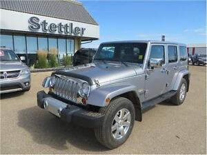2013 Jeep Wrangler Unlimited Sahara 4x4 HEATED LEATHER SEATS!
