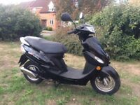 SOLD 2014 black Peugeot Vclic v clic evp2 50cc scooter moped low mileage Great Condition