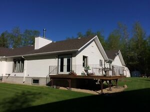 Acreage with Shop 8 Minutes from Sherwood Park