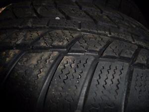 4 pneus d'hiver 205/55/16 Bridgestone Blizzak