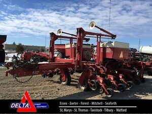 Case IH 950 16 Row Planter