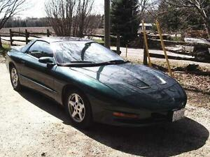 1997 Pontiac Firebird T top Coupe (2 door)