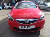Vauxhall Astra SRI CDTI (red) 2011