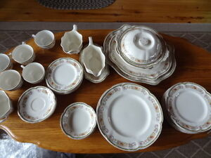Pareek Johnson Bros.China Dinnerware Set - Guernsey Pattern