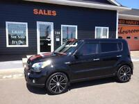 2011 Kia Soul 4U SX - 5 spd - power moonroof - heated seats