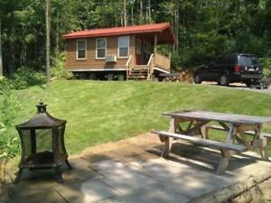 Chalet/roulotte pour 3 mois . Cottage/mobile home wanted fx 3 mo