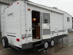 Lightweight 1/2 ton towable 5th wheel RV: PRICE REDUCED!