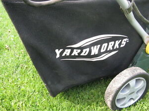 Yardworks Electric Lawn Vac/Chipper Kawartha Lakes Peterborough Area image 8